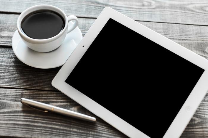 Webinar, tablet, blackboard.