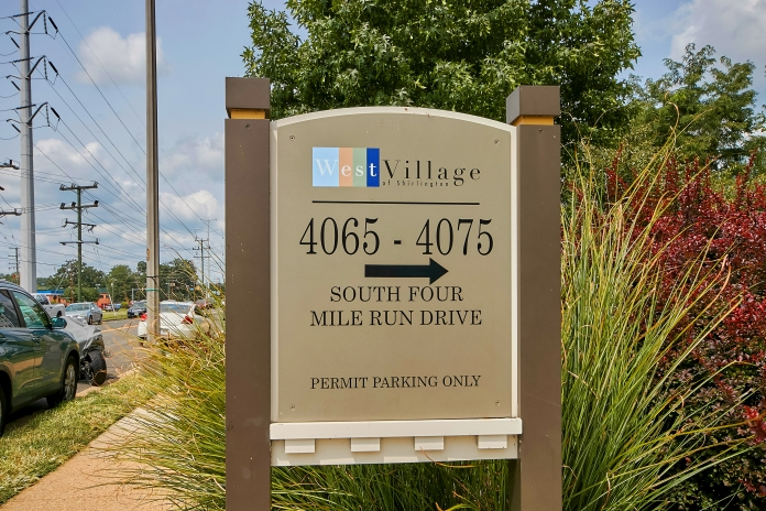 28__CJ S Four Mile Run #301